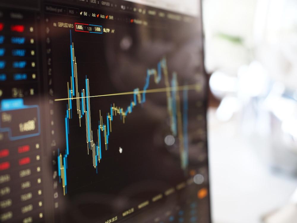 diferença entre investir em startups e ações na bolsa