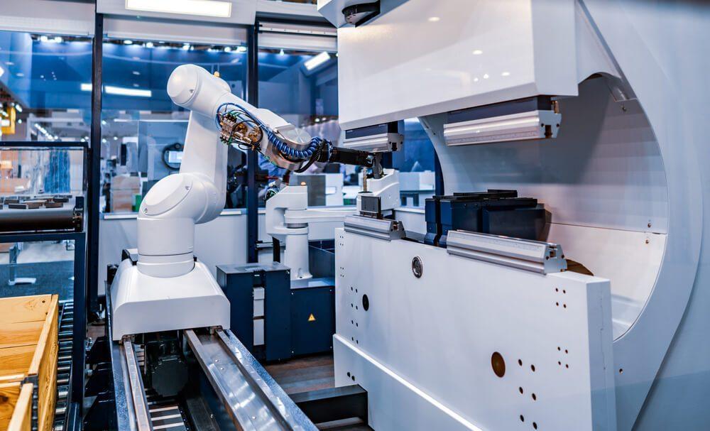 setor para investir indústria 4.0: robô em um laboratório